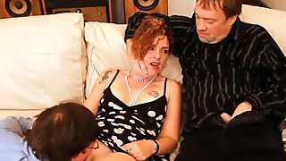 Hubby Slurps Out Wife Nasty Creampies