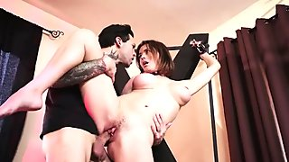 Brazzers - Krissy Lynn & Small Hands - How To Train Your MILF