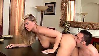 Wild pornstar enjoys pounding