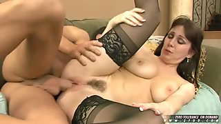 Rayvaness gets a huge load of jizz on her face after a one on one